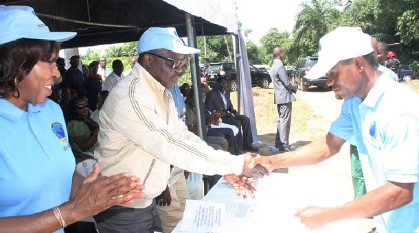 Uduaghan Signs Bill On Micro Credit Into Law