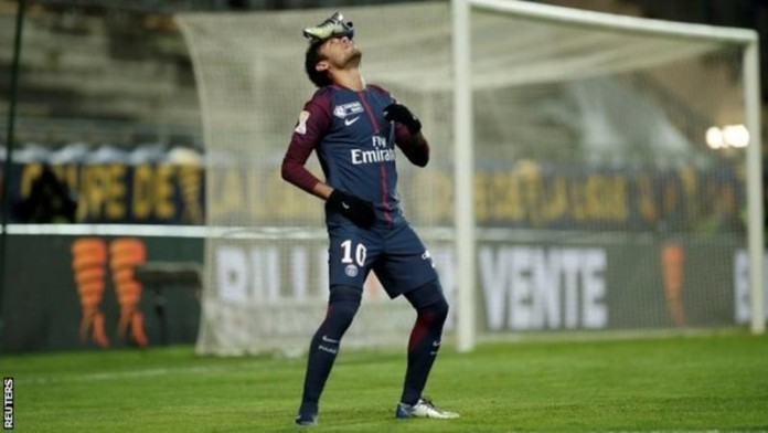 Neymar strikes as Paris Saint-Germain reach League Cup semis