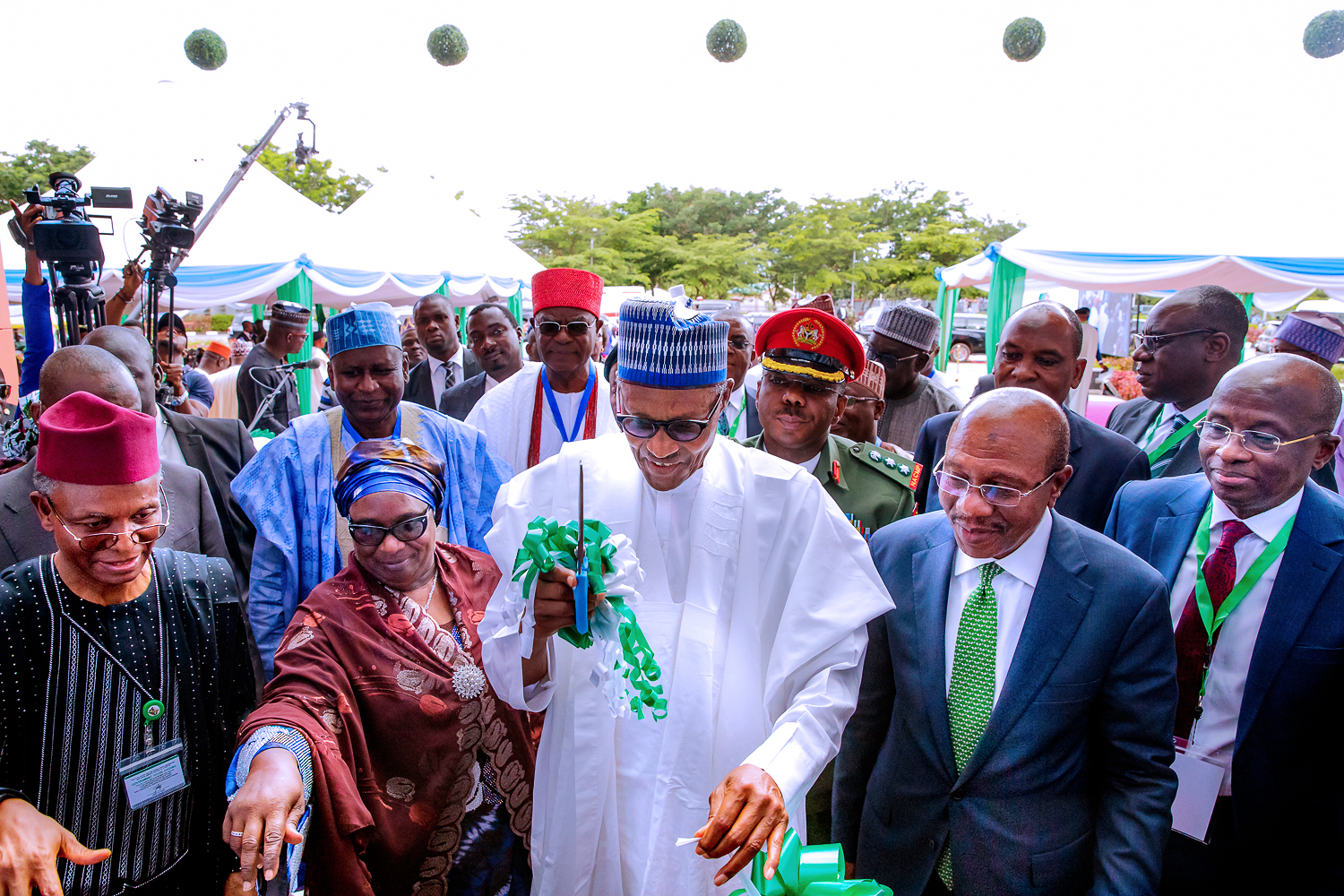 In Zaria - Buhari Opens CBN 'Centre of Excellence' - alltechng