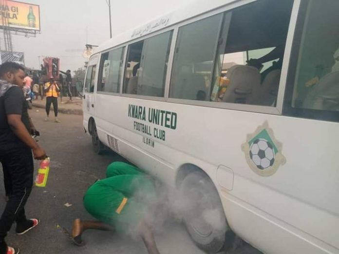 Kwara United's Bus Catches Fire In Asaba