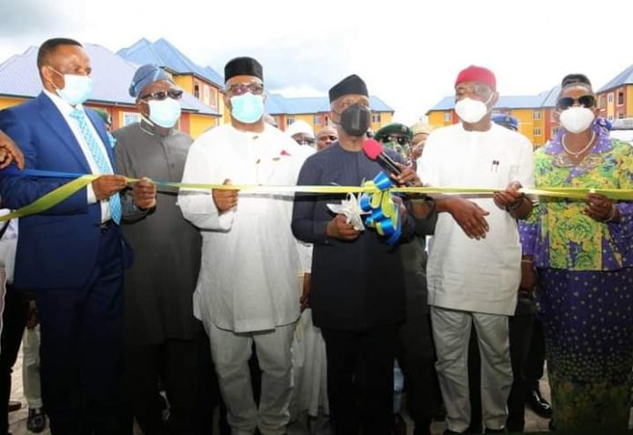 Minister, Niger Delta Affairs Ministry, Senator Godswill Akpabio, today, in Port Harcourt, the Rivers State capital, joined President Muhammadu Buhari, who was represented by Vice President Yemi Osinbajo, Governor Nyesom Wike of Rivers State and other dignitaries at the official commissioning of the Police SPU Quarters, donated by the Niger Delta Development Commission (NDDC).